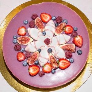 Торт «Ежевика и лаванда»